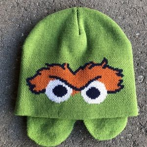 Sesame Street Oscar the grouch hat and scarf kid